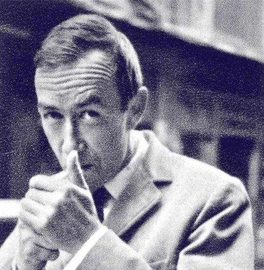 Pierre Guariche - décorateur designer et ensemblier français (Paris, 1926 - Bandol, 1995) Pierre10