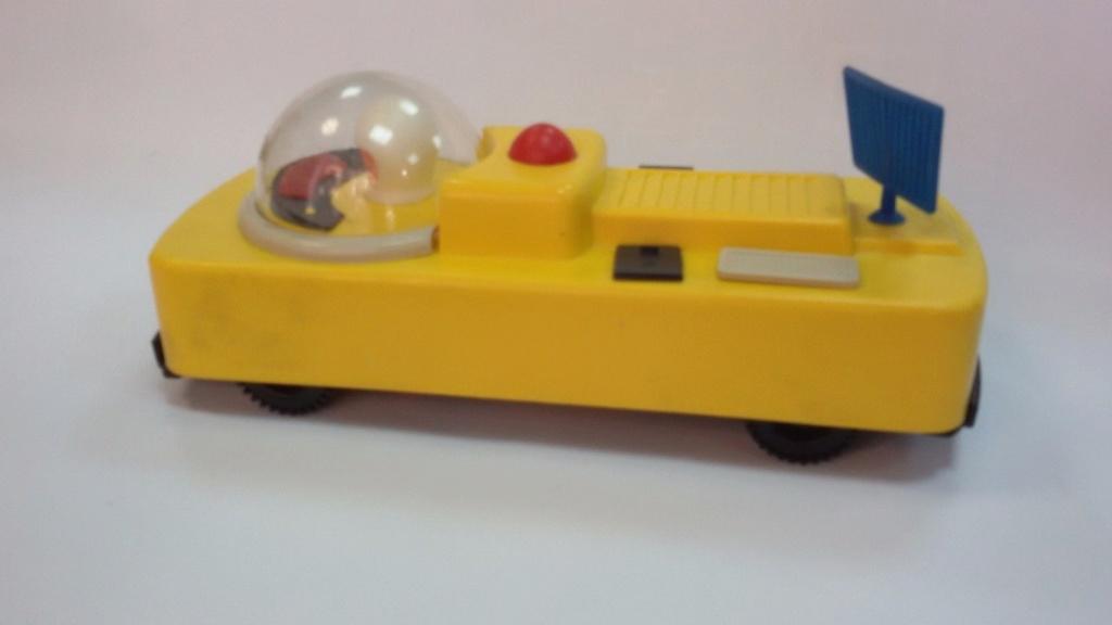 RARE RUSSIAN USSR PLASTIC SPACE ROCKET CAR Russr210