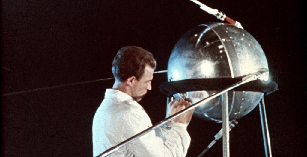 Spunik - Spoutnik - satellite, space age, design & style Spoutn10