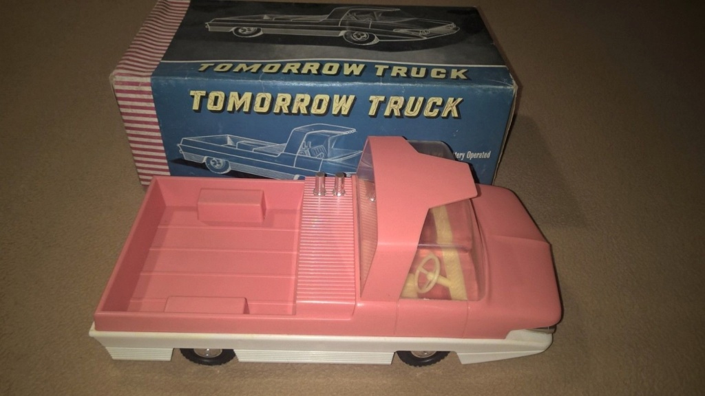 TOMORROW TRUCK QUALIDUX MADE IN HONG KONG PLASTIC SPACE CAR Tt10