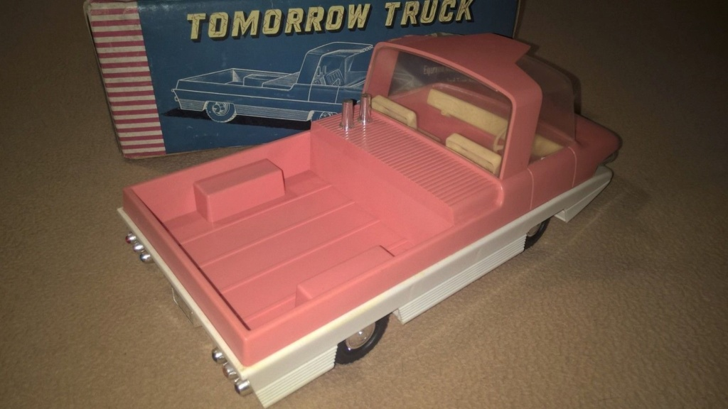 TOMORROW TRUCK QUALIDUX MADE IN HONG KONG PLASTIC SPACE CAR Tt310