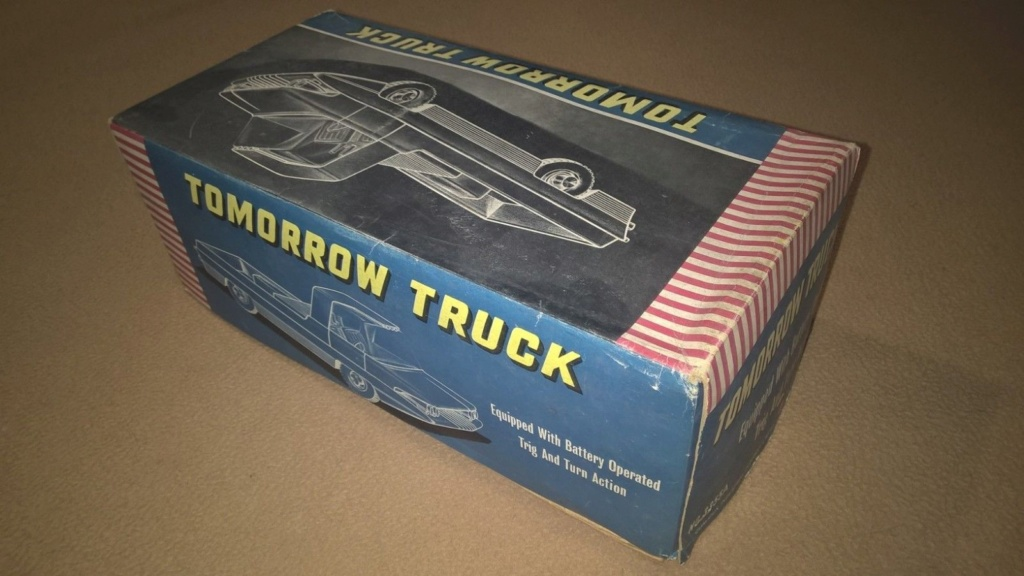 TOMORROW TRUCK QUALIDUX MADE IN HONG KONG PLASTIC SPACE CAR Tt810