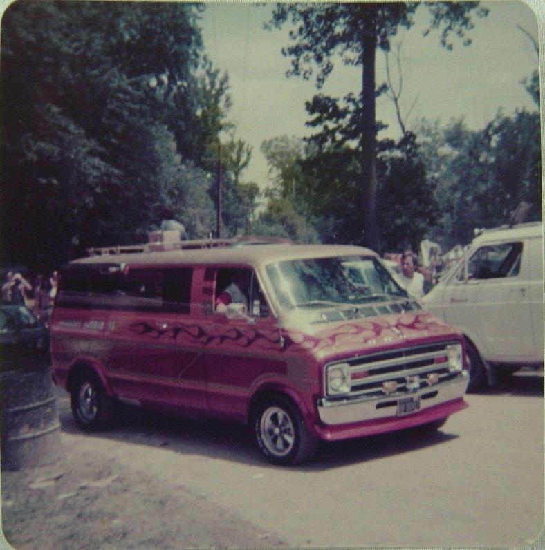 Golden age des Vans - Page 5 Van210
