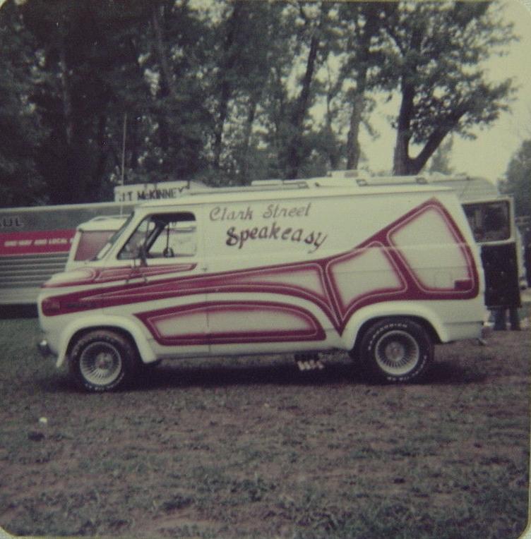 Golden age des Vans - Page 5 Van410
