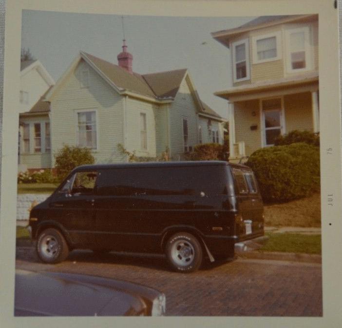 Golden age des Vans - Page 5 Van810