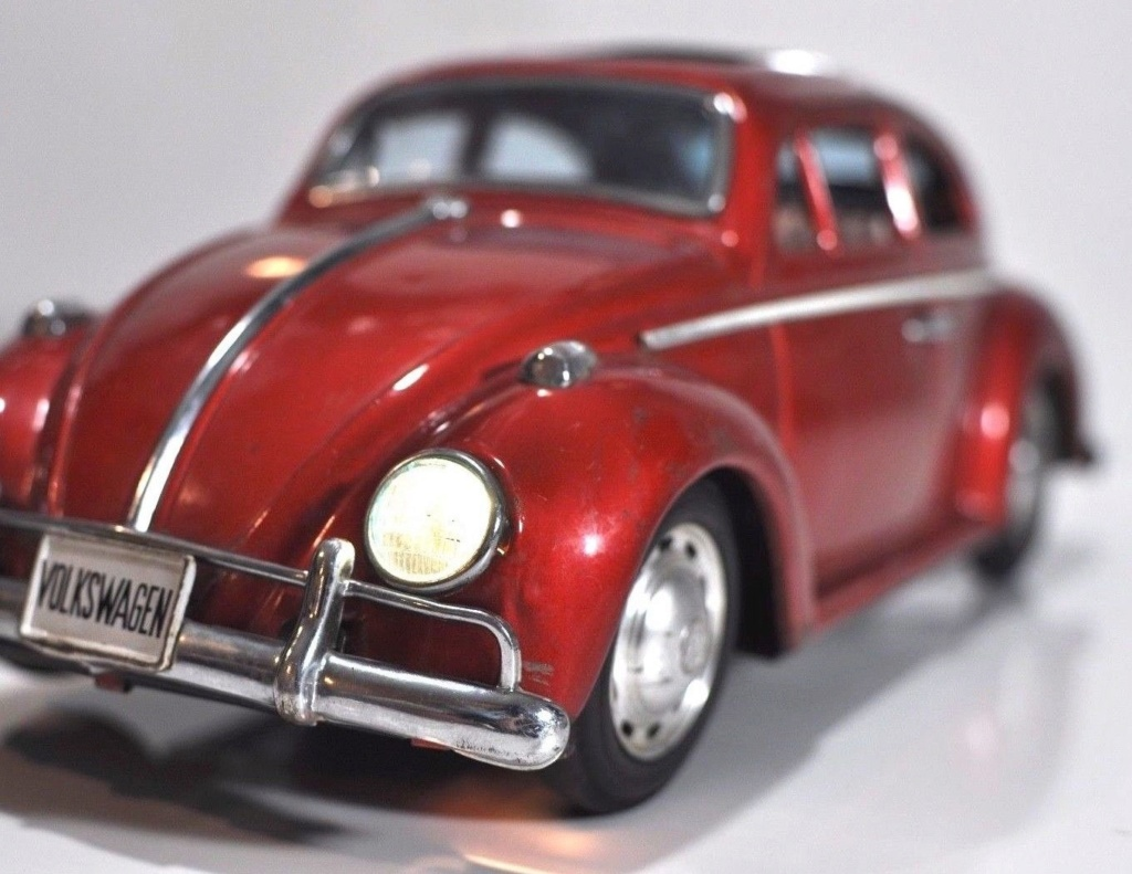 Volkswagen VW Beetle tin Bandai Japan bug toy car Vwb510
