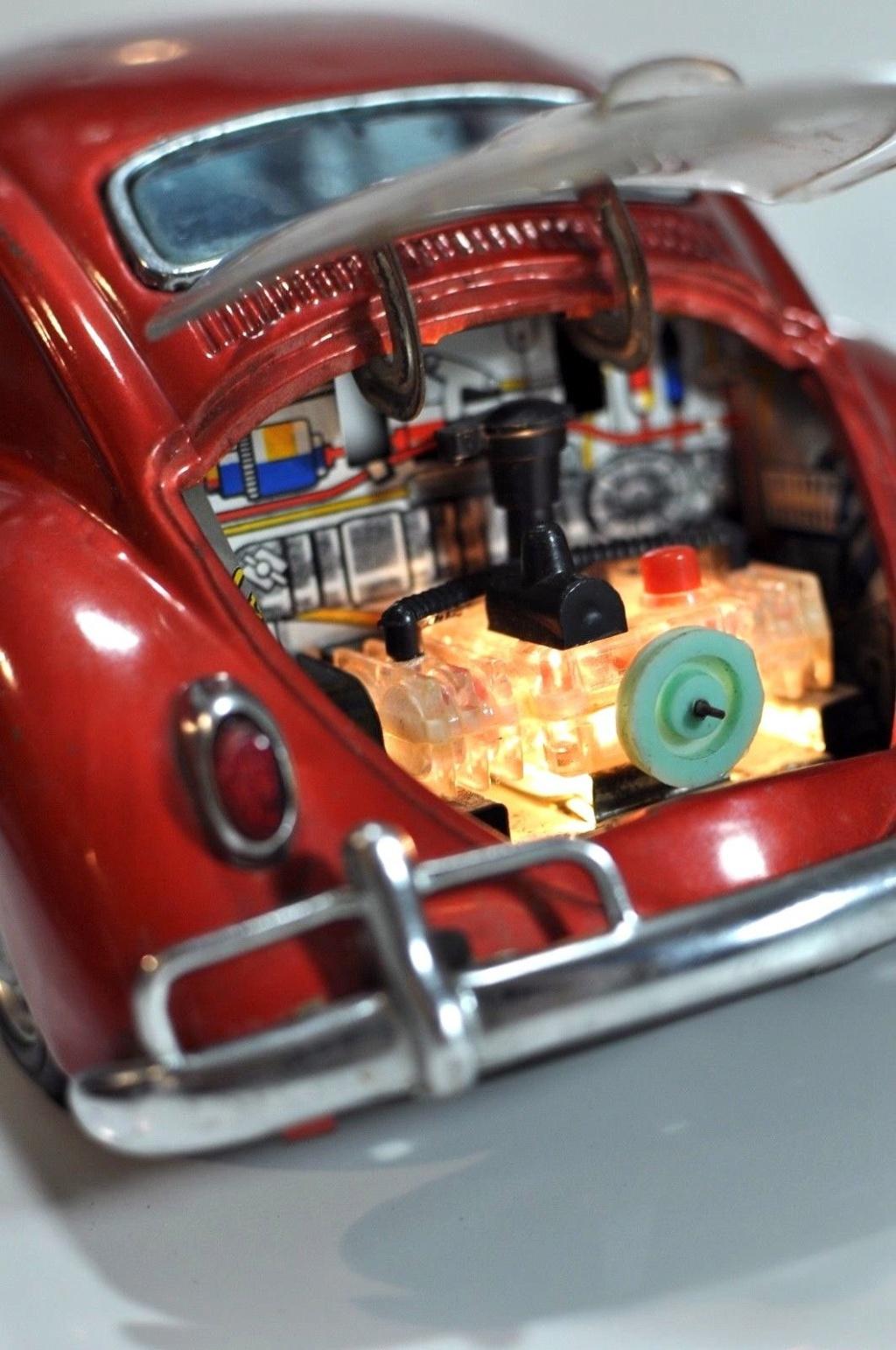 Volkswagen VW Beetle tin Bandai Japan bug toy car Vwb610
