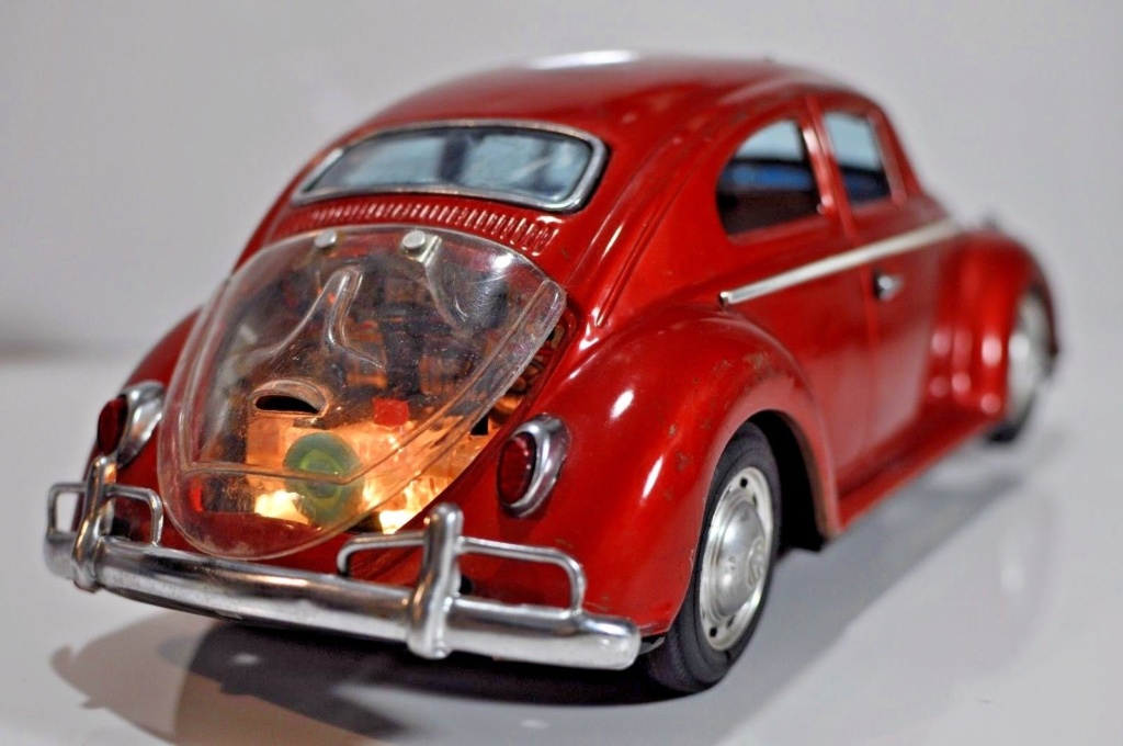 Volkswagen VW Beetle tin Bandai Japan bug toy car Wvb110