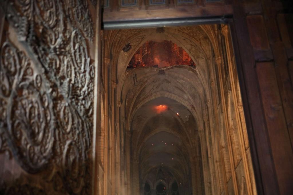 Incendie à Notre Dame de Paris ! D4oxb410