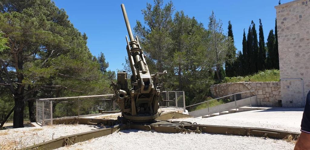 Mémorial Mont Faron Toulon  10311610
