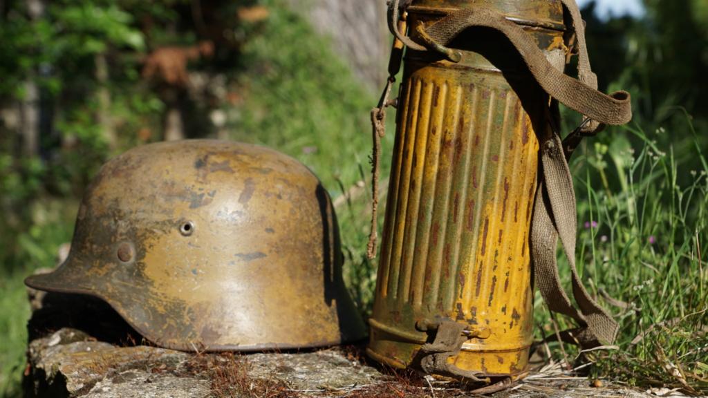 Quelques masque à gaz camo  Dsc03120