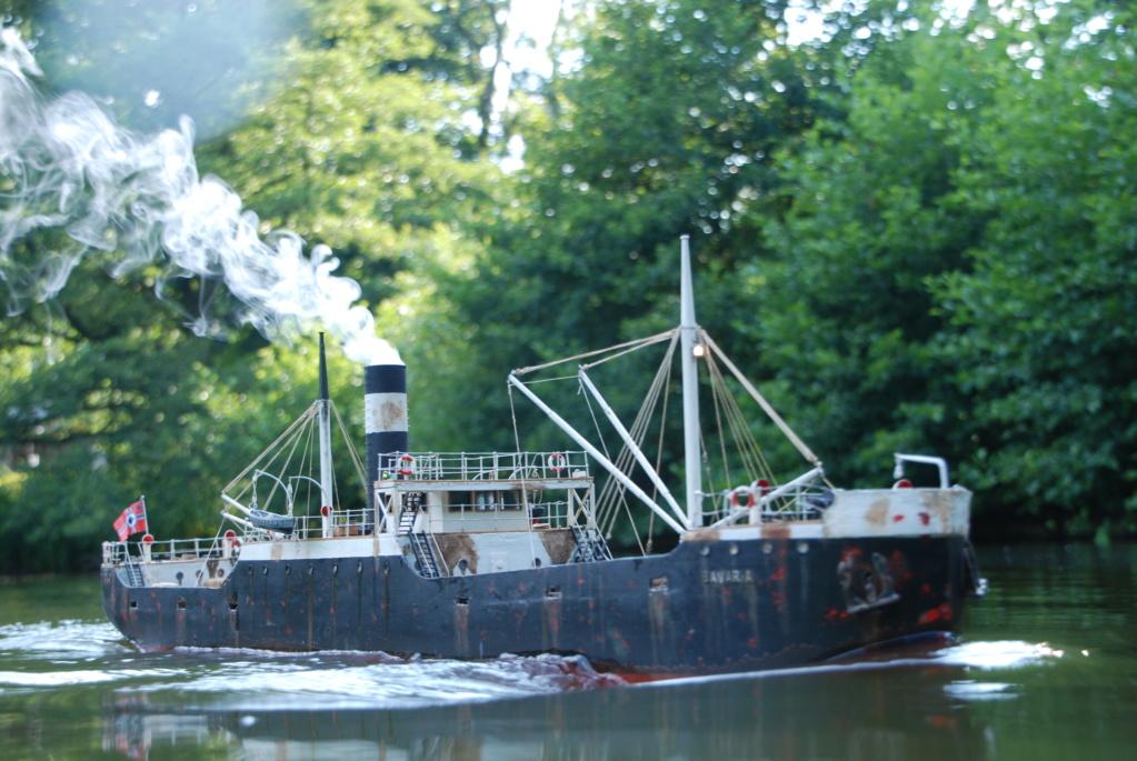 Schiffe und Boote im Wasser  Dsc_1010