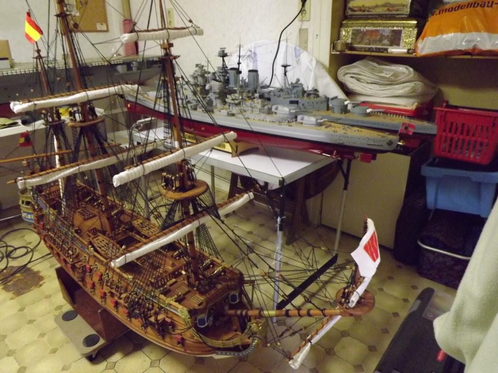 Schiffe und Boote im Wasser  Dscf9114