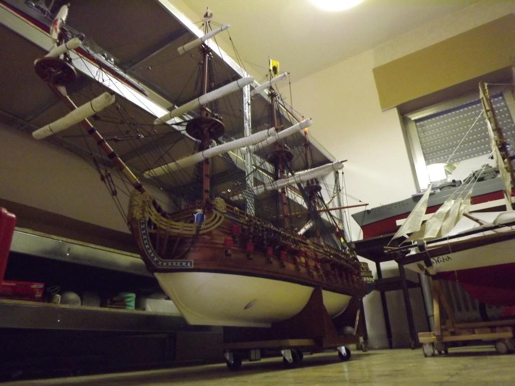 Schiffe und Boote im Wasser  Dscf9310