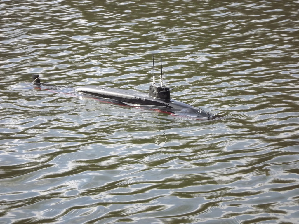 Schiffe und Boote im Wasser  Dscf9811
