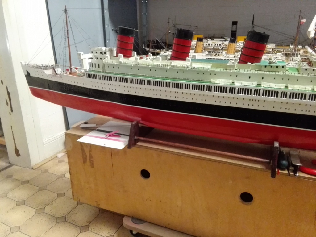 R.M.S. Queen Mary 1936 als RC Modell Img_2037