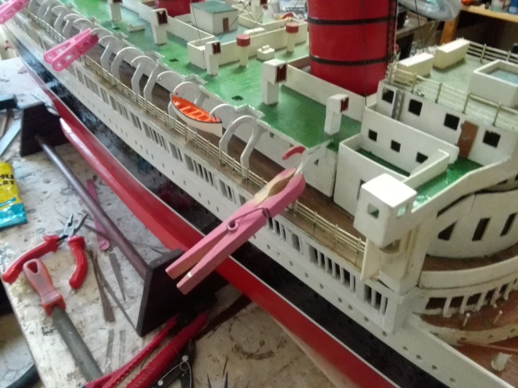 R.M.S. Queen Mary 1936 als RC Modell - Seite 2 Img_2106