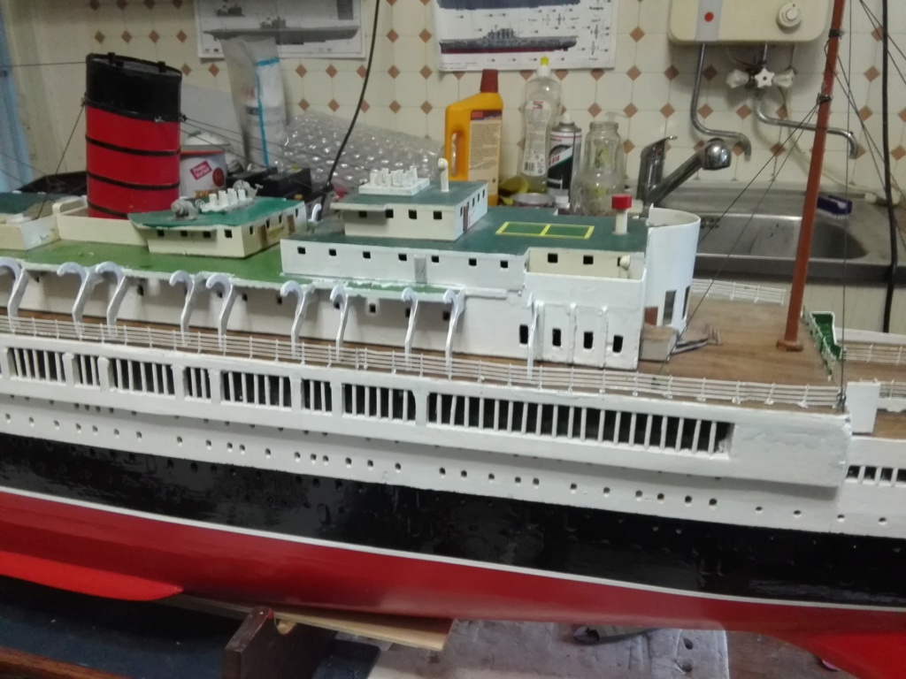 R.M.S. Queen Mary 1936 als RC Modell - Seite 2 Img_2111