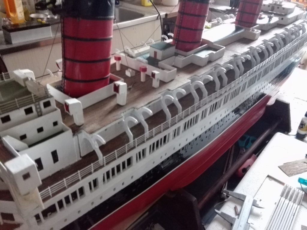 R.M.S. Queen Mary 1936 als RC Modell - Seite 2 Img_2128