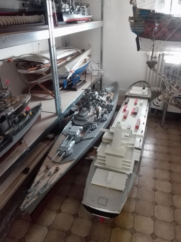 """""""Vorbildgetreues"""" Containerschiff im Maßstab 1/100 Img_2743"""