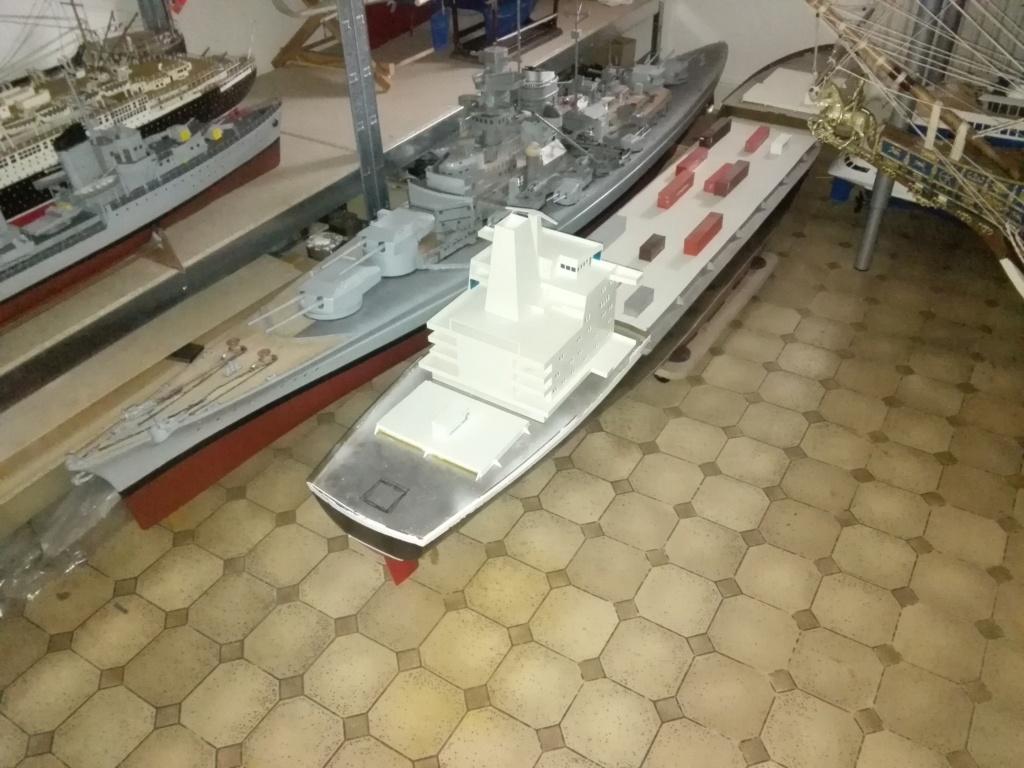 """""""Vorbildgetreues"""" Containerschiff im Maßstab 1/100 Img_2744"""