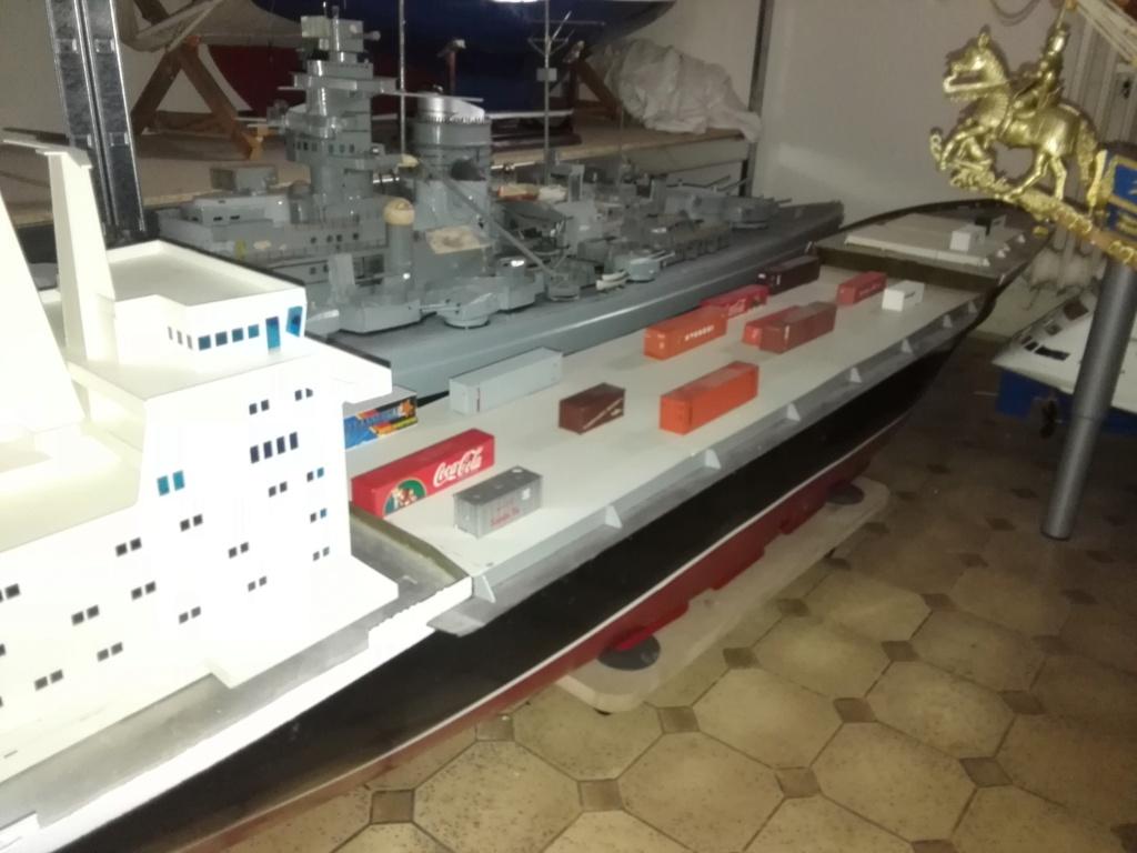 """""""Vorbildgetreues"""" Containerschiff im Maßstab 1/100 Img_2747"""