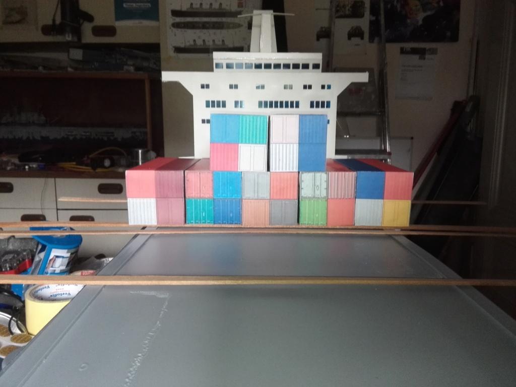 """""""Vorbildgetreues"""" Containerschiff im Maßstab 1/100 Img_2765"""