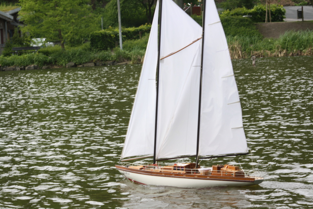 Schiffe und Boote im Wasser  Img_4310