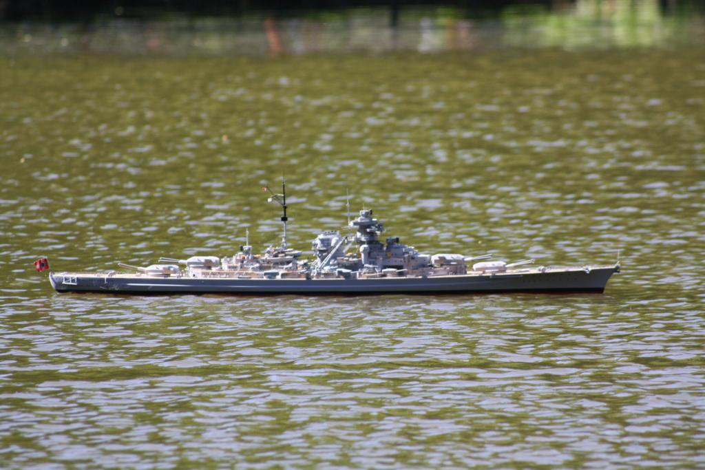 Schiffe und Boote im Wasser  Img_4415