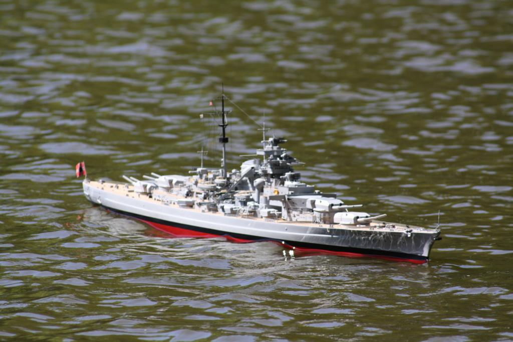 Schiffe und Boote im Wasser  Img_4510