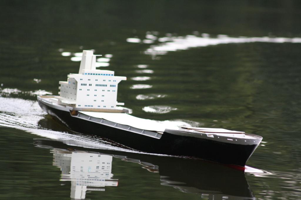 """""""Vorbildgetreues"""" Containerschiff im Maßstab 1/100 Img_8814"""