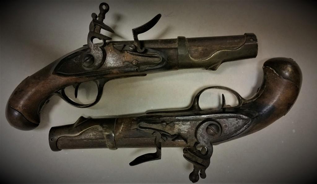 vous avez dit bizarre bizarre ??? pistolets de maréchaussée ou de cavalerie ?? 110