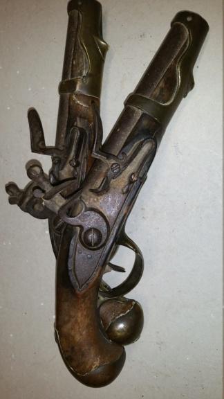 vous avez dit bizarre bizarre ??? pistolets de maréchaussée ou de cavalerie ?? 610