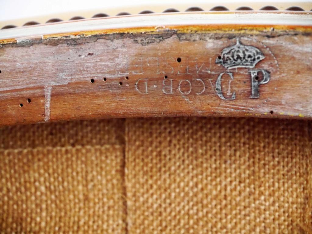 Et un sabre Mle 1822 de la ligne d'officier matriculé de plus !! Antics12