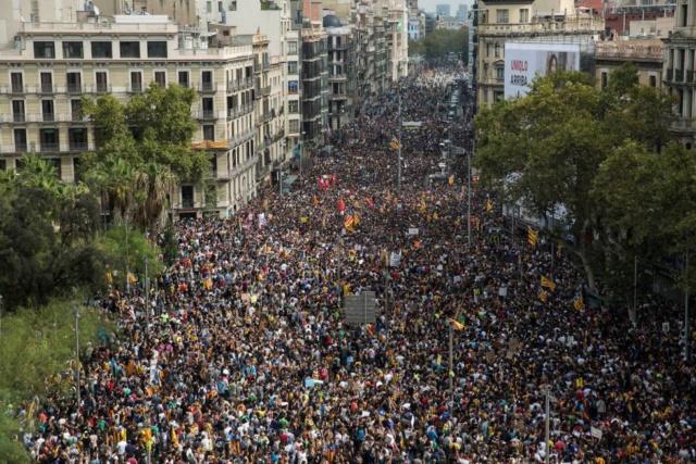 Crida Democràcia | Movilizaciones contra la sentencia del Tribunal Supremo y por la libertad de los presos políticos - Página 2 15071910
