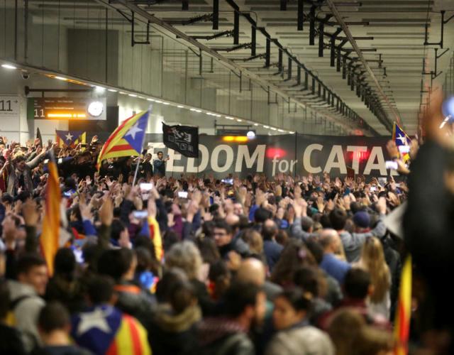 Crida Democràcia | Movilizaciones contra la sentencia del Tribunal Supremo y por la libertad de los presos políticos - Página 2 780_0012