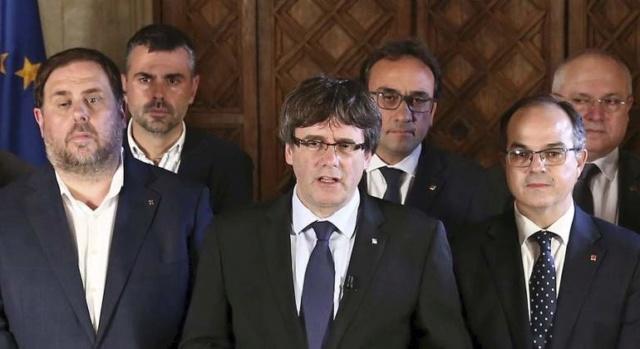GOVERN | Comparecencia del President Puigdemont tras la ruptura del acuerdo de reconocimiento por Moncloa Puigde12