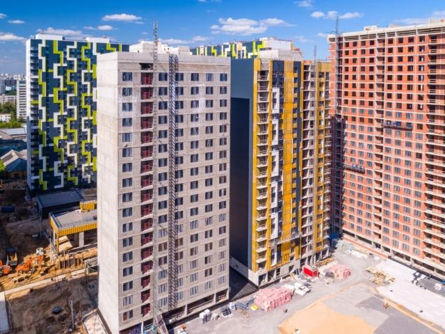 """На ЖК """"Летний сад"""" - начался монтаж фасадных конструкций корпусов второй очереди строительства 2312"""