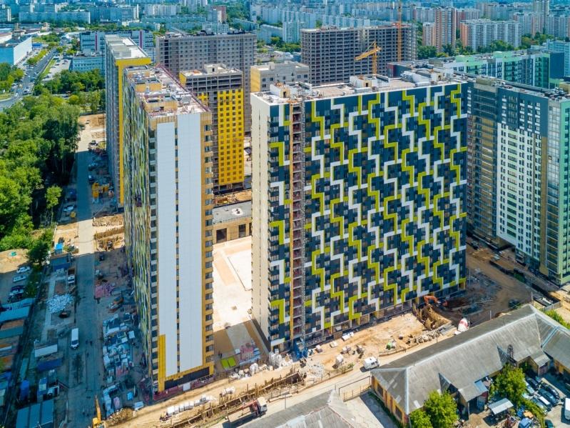 """На ЖК """"Летний сад"""" - начался монтаж фасадных конструкций корпусов второй очереди строительства 511"""