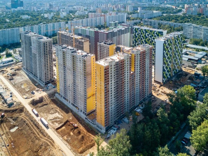 """На ЖК """"Летний сад"""" - начался монтаж фасадных конструкций корпусов второй очереди строительства 615"""