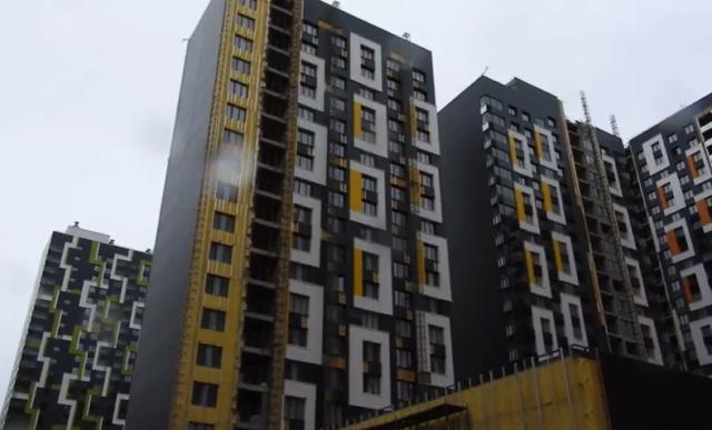 """На ЖК """"Летний сад"""" - начался монтаж фасадных конструкций корпусов второй очереди строительства - Страница 2 710"""