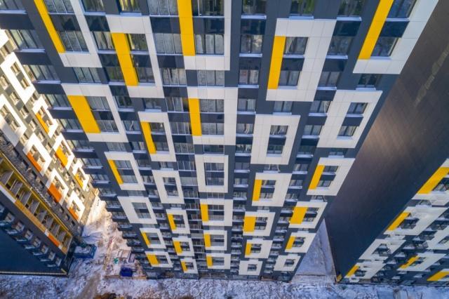 """На ЖК """"Летний сад"""" - начался монтаж фасадных конструкций корпусов второй очереди строительства - Страница 3 919111"""
