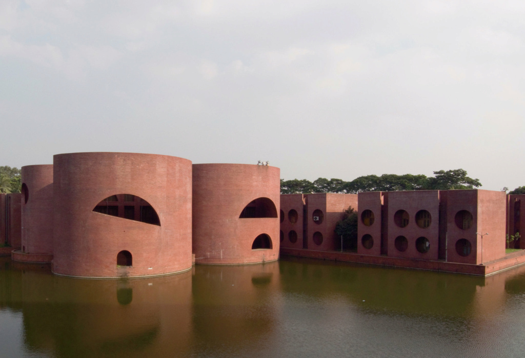 Архитектура - Страница 3 Brutal10
