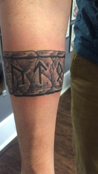 Татуировки с Рунами (подборка фото) - Страница 11 Cc4eef12