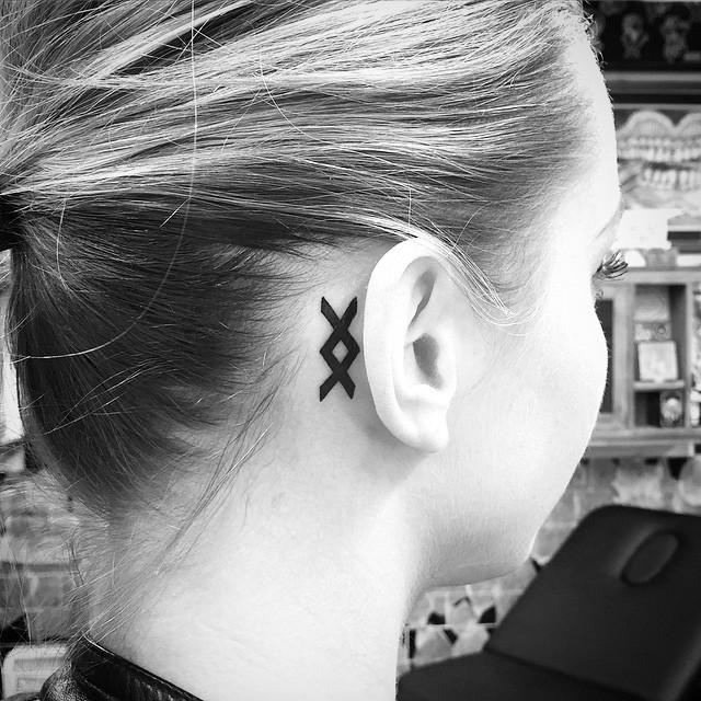 Татуировки с Рунами (подборка фото) - Страница 10 Inguz-11