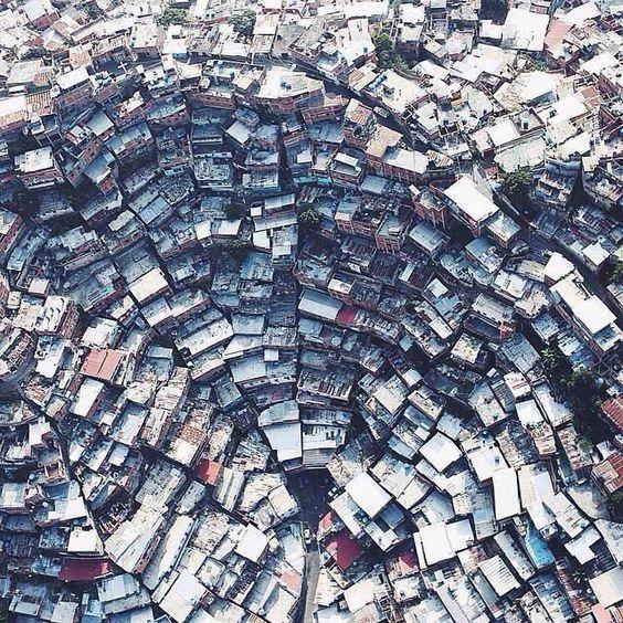 Ovi gradovi izgrađeni su planski, a iz svemira izgledaju - apsolutno nevjerojatno! - Page 3 12ba4c10