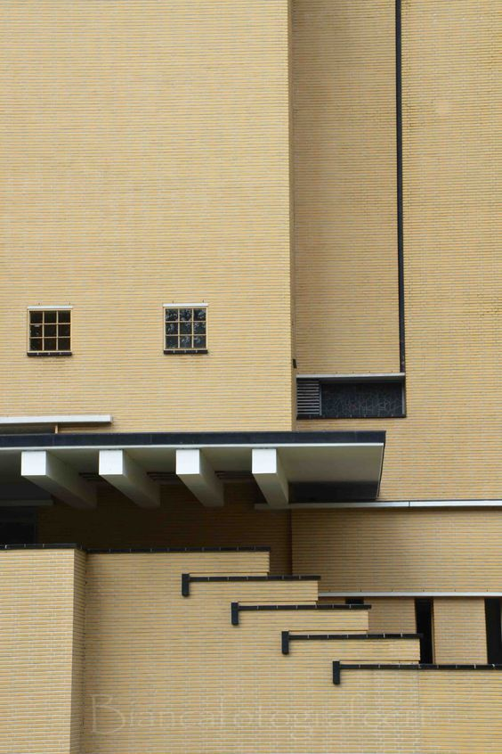 Arhitektura,inspiracija fotografa - Page 4 4d053d10