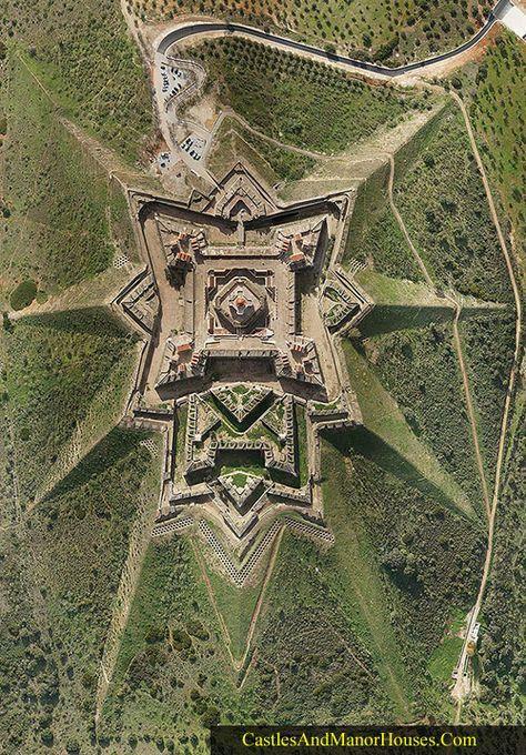 Ovi gradovi izgrađeni su planski, a iz svemira izgledaju - apsolutno nevjerojatno! - Page 3 6425ad10