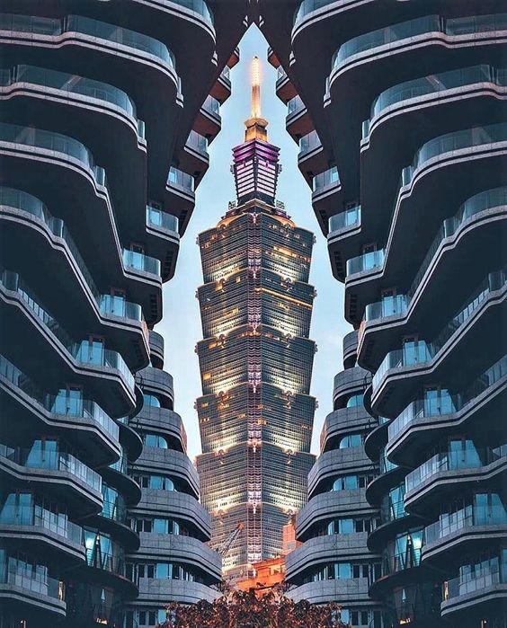Arhitektura,inspiracija fotografa - Page 6 B0730210