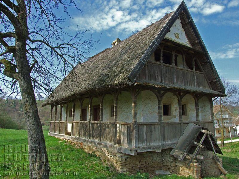 Tradicionalne kuće , jedinstvena gradnja  F4fc9d10